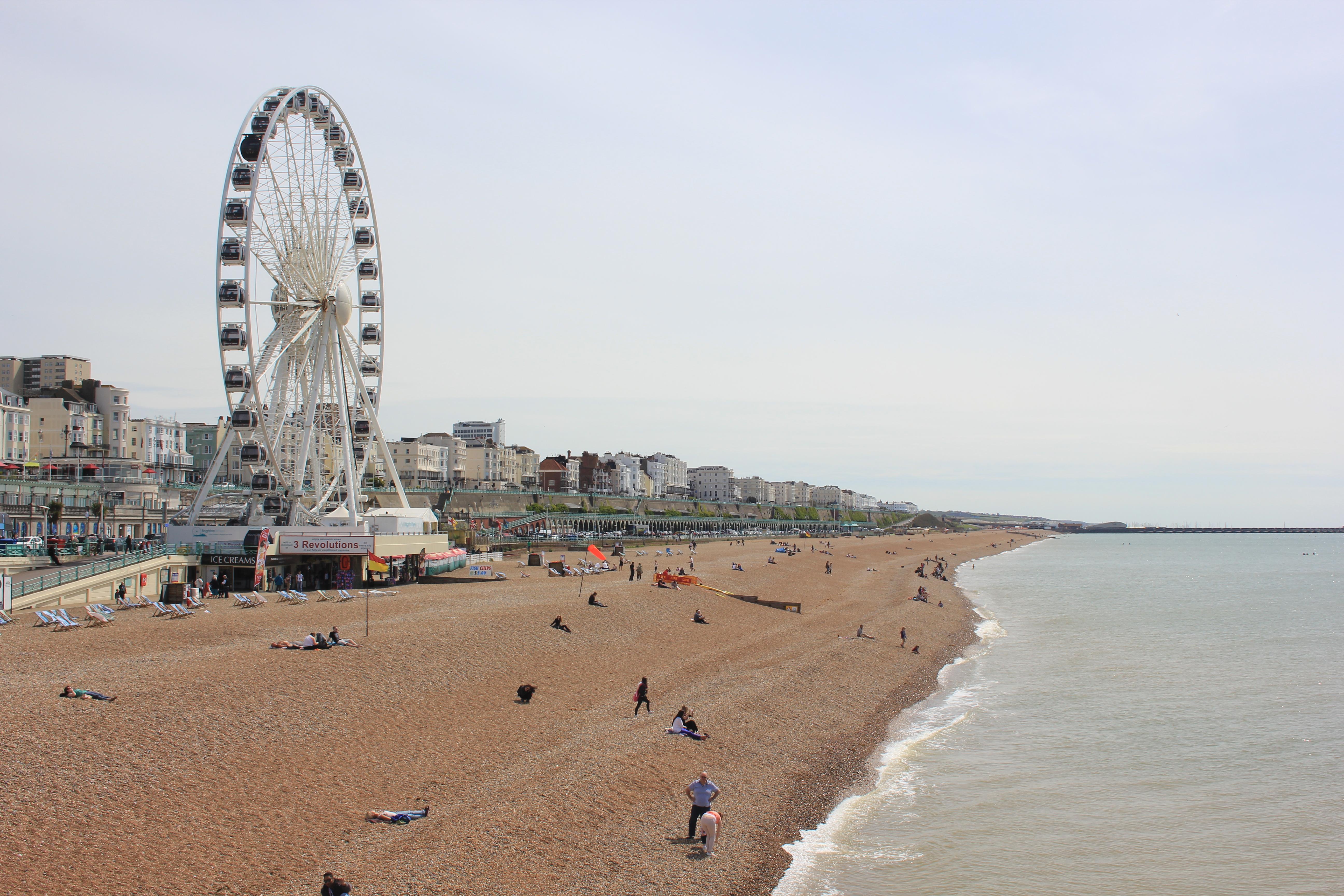 Brighton beach england beach treasures and treasure beaches for The brighton