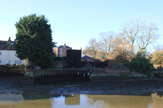 Houses fronting Slipper Mill Pond