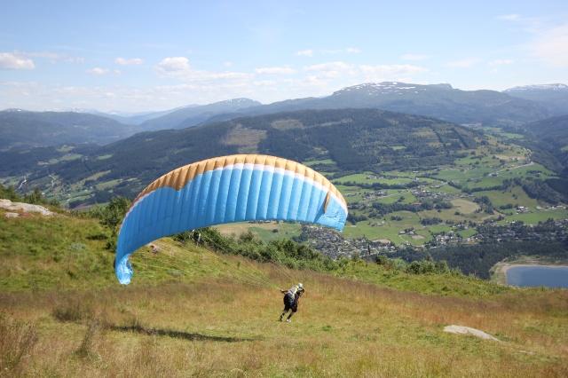 Paragliding at Hanguren