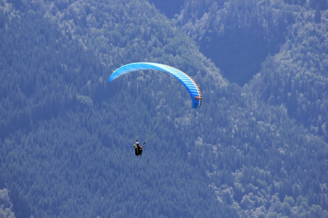 Paragliding at Hanguren