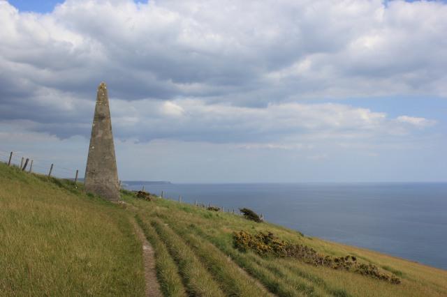 Navigational Obelisk at West Bottom before White Nothe